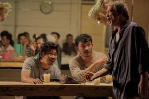 Rio  dewanto,Donny alamsyah dan Tio Pakusadewo beradu akting di film bulan di atas kuburan